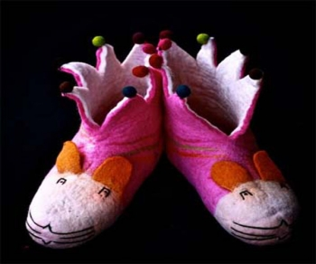 Baby rabbit woolen shoe