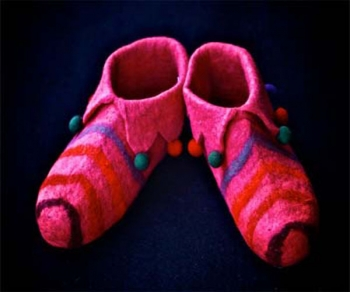 Jingle baby felt shoe