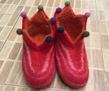 Tiedie Crown shoe